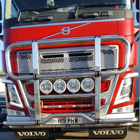volvo fh v4 bull bar featured image pic 1