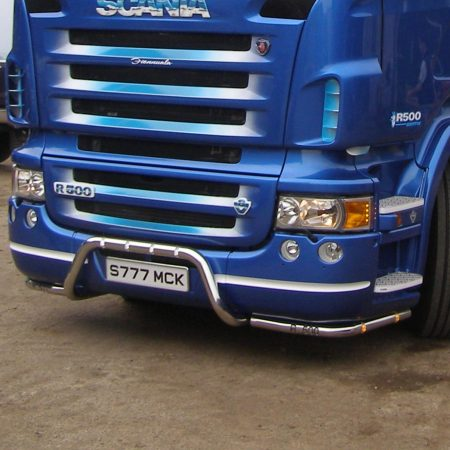 Scania MK1 R Series under bumper corner bars with touch bar